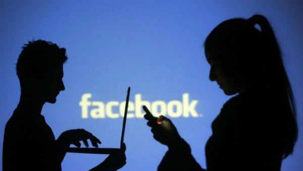 Facebook le piensa dar un mayor protagonismo a la función de amigos cercanos, tanto en la aplicación para Android como en la versión web. De este modo, lo que anteriormente era un opción algo escondida en la app, se ubica ahora en la parte superior de la barra de contactos de la red social. Asimismo, se ha añadido un nuevo icono con forma de mano saludando, que solo aparecerá al...