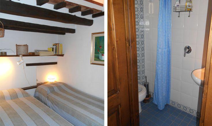 Vom Garten betriitt man die Wohnung wo sich eine kleine Küche, ein Schlafzimmer mit Bad und ein Wohn/Eßzimmer mit Kamin, grosses Panoramafenster.