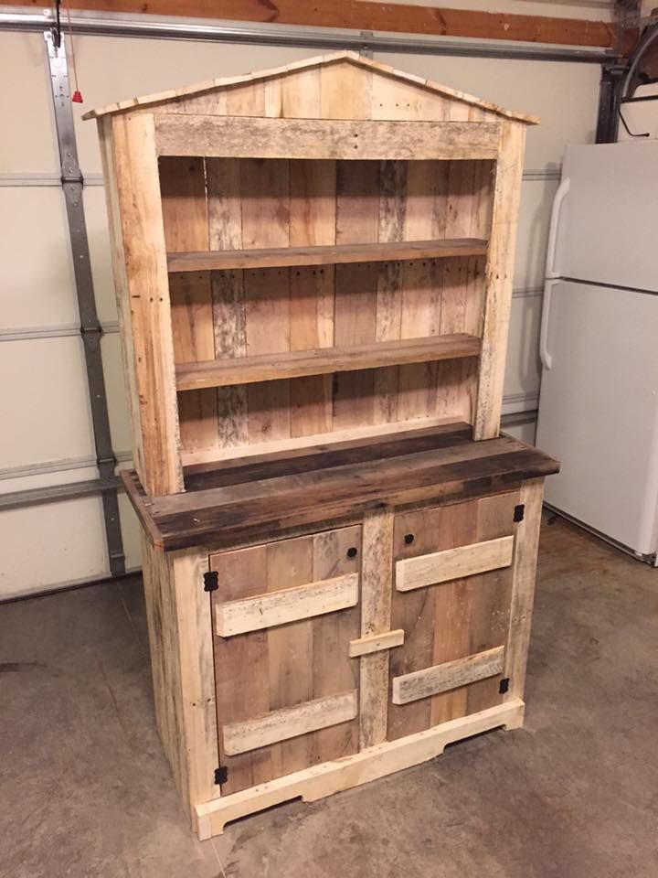 17 best ideas about pallet hutch on pinterest pallet for Pallet kitchen ideas