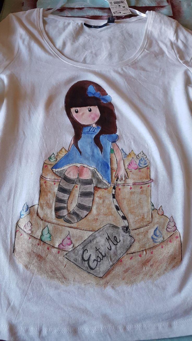 T-shirt  dipinta  a mano gorjuss