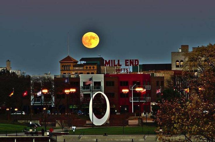 Super moon over Bay City, Michigan November 14, 2016.