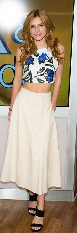 Bella Thorne: Shirt – Milly skirt – Alice + Olivia Shoes – Stuart Weitzman