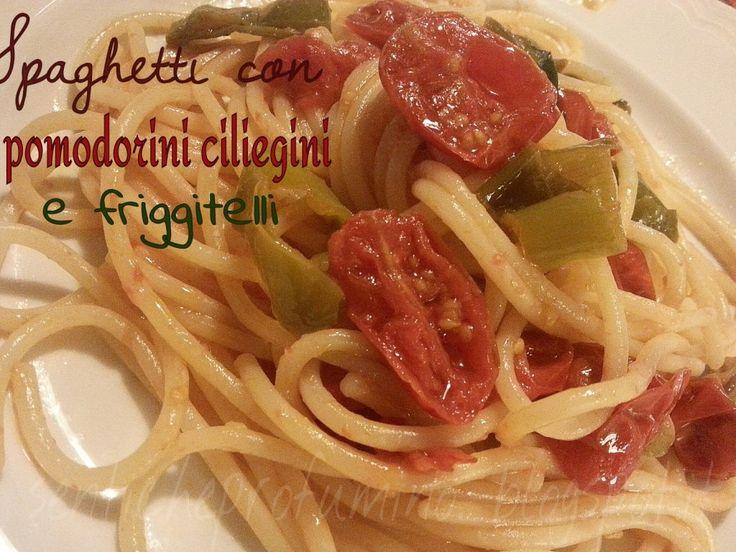 Spaghetti con pomodorini ciliegini e peperoncini verdi dolci (Friggitelli)