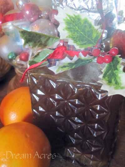 An easy recipe for how to make Christmas liqueur, with all the tastes of Christmas in a glass, perfect for parties or gifting