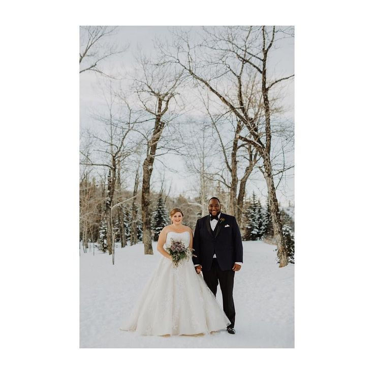 Any time we start grumbling about winter over here all we have to do is peek back at some of our favourite winter weddings to be reminded how magical the season really can be! Still adore this couple & their amazing Christmas wedding at the @calgarygolfandcountryclub !  : @brittanyesther  Planner: @smittenweddings  Venue: @calgarygolfandcountryclub  Flowers: @occasionalbloomyyc  #smittenandco  #smittenweddings  #calgaryweddingplanner  #yycweddingplanner  #winterwedding  #christmaswedding…