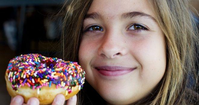 FETTLEIBIGKEIT BEI KINDERN Übergewicht und Fettleibigkeit bei Kindern nimmt zu