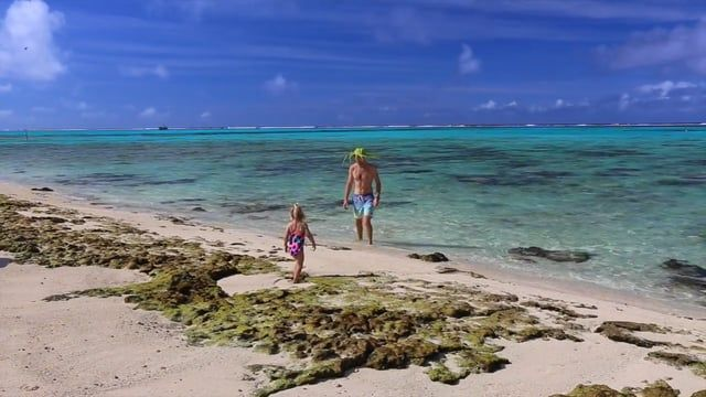 The Blondies visit Rarotonga on in the amazing Cook Islands 2016 © Read all about their adventure here in their blog post - http://www.theblondenomads.com.au/blog/a-lovely-bunch-of-coconuts-in-paradise-the-blondies-visit-the-cook-islands