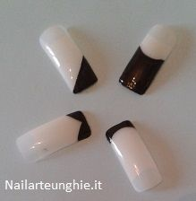 French Manicure  http://www.nailarteunghie.it/tutorial/french-manicure-quante-versioni/