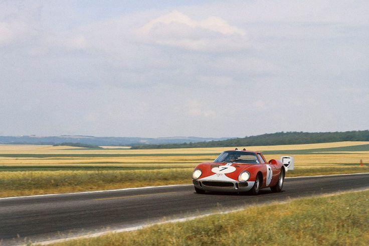 Graham Hill & Jo Bonnier (Ferrari 250 LM) 12 heures de Reims 1964 - UK Racing History.