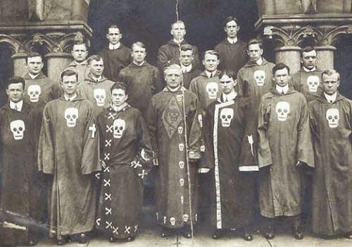 History Of Secret Societies: Knights Templar, Illuminati, Assassins, Freemasons | RiseEarth