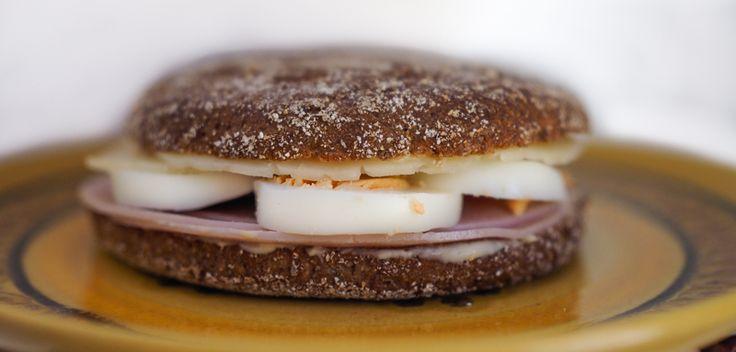 Reissumies Finnish rye bread sandwich. Via uino.indiedays.com
