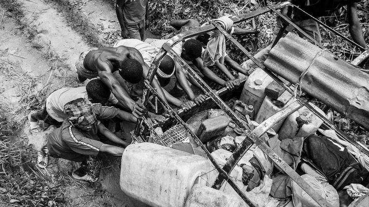 International Workers Day ©WagabundoTravel #Congo #Kongo #adventure #traveling #podróże #traveler #photography #travel #afryka #africa #wyprawy #photography #jungle
