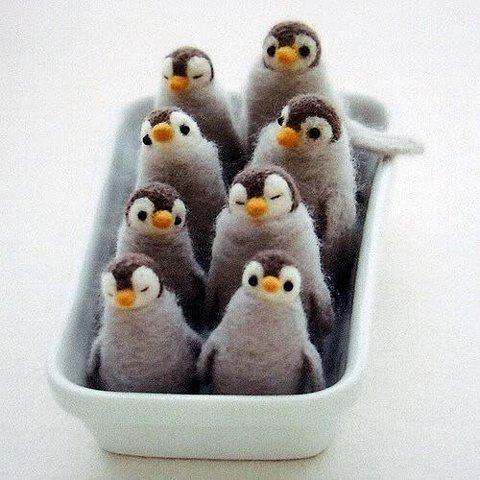 pinguins de feltro :3: Crafts Books, Idea, Felt Wool, Felt Crafts, Feltcrafts, Needlefelt, Felt Penguins, Needle Felt, Felt Animal