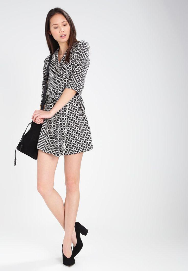 Wrap dress per un'estate comoda, fresca e glamour!