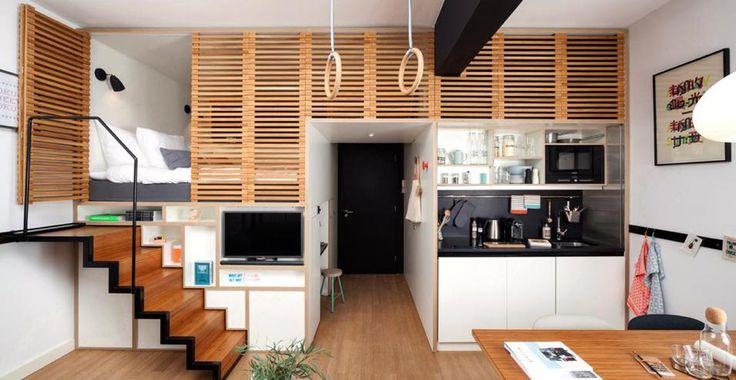Questa casa non è un albergo. ZOKU Loft raccoglie in un mini-appartamento spazioso e funzionale tutto quello che può servire per un soggiorno a lungo termine. In soli 25 mq, grazie ad arredi ultra-compatti e sistemi modulari a scomparsa (come la scala), si concentrano il living, una cucina, una postazione lavoro, un bagno e un posto letto rialzato.