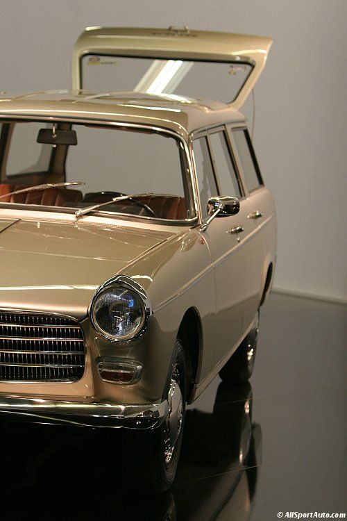 1967 / Peugeot 404 break Super-Luxe