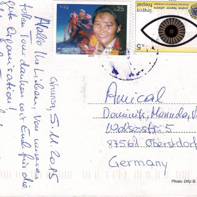 Was für eine nette Überraschung... Gut einen Monat nach dem unsere Teilnehmer des Kanchenjunga Trekkings wieder aus Nepal zurück sind, kam heute eine Postkarte aus Nepal bei uns an... Mehr Infos http://www.amical.de/2015/12/29/netter-kundengru%C3%9F-aus-nepal/ #amical #amicalalpin #bergschule #kanchenjunga #nepal #postkarte