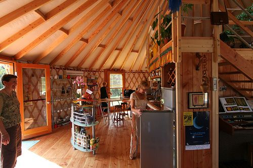 Yourte d tiny house green community pinterest yurts for Habitation contemporaine