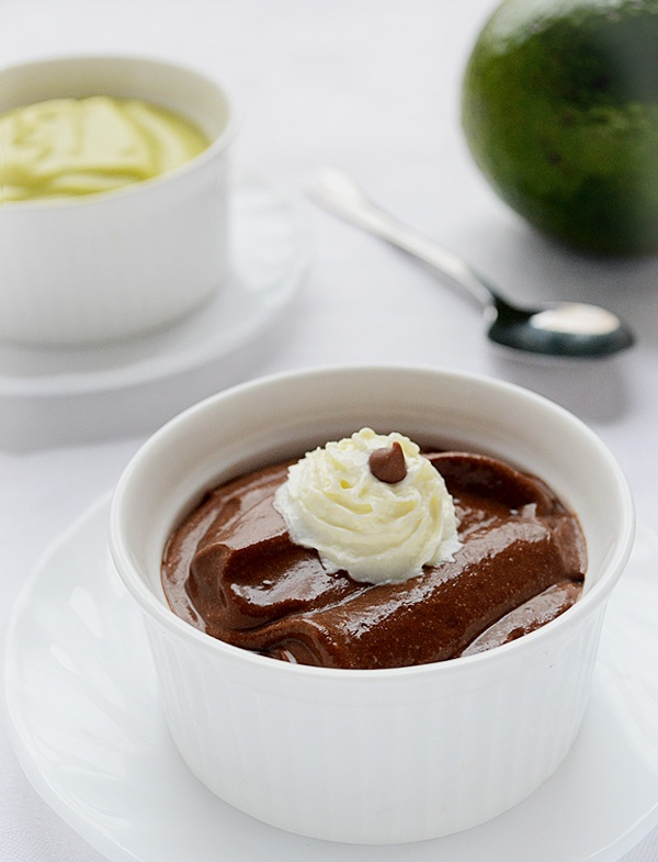 Avocado Chocolate Pudding | via http://www.diettaste.com/desserts/avocado-chocolate-pudding.html Featured on WholeYum!