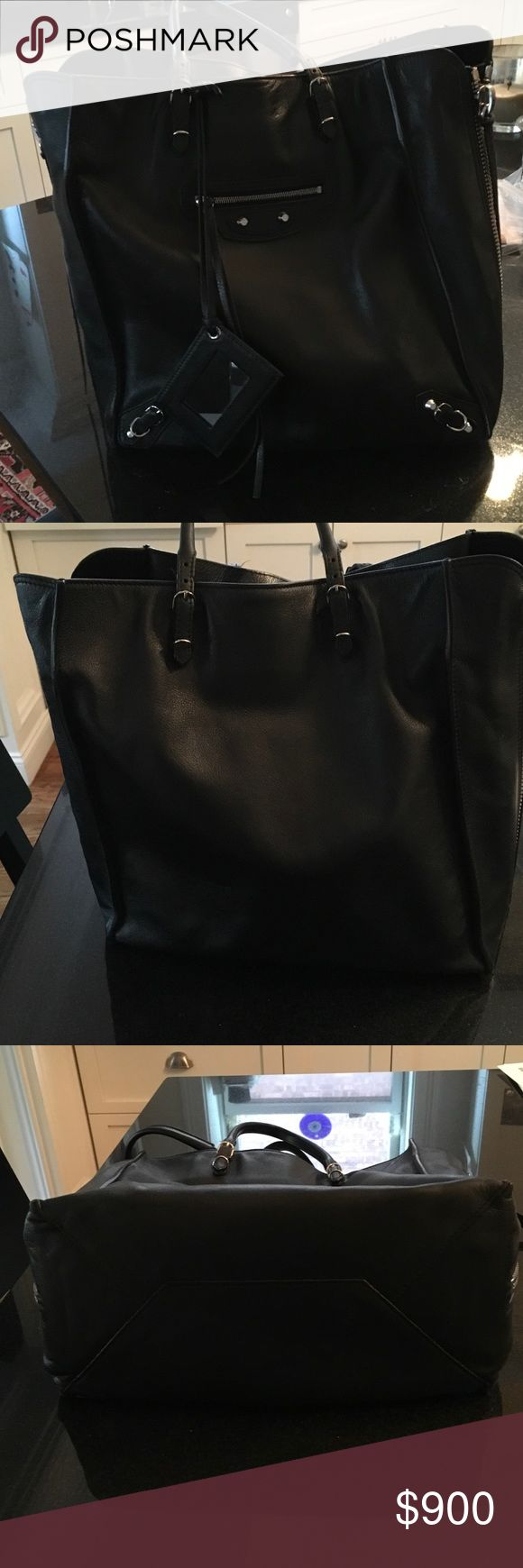 Balenciaga papier medium tote Black medium sized tote bag purchased 9 months ago.  Dust bag included.  Can be used with sides zipped or unzipped. Balenciaga Bags Satchels