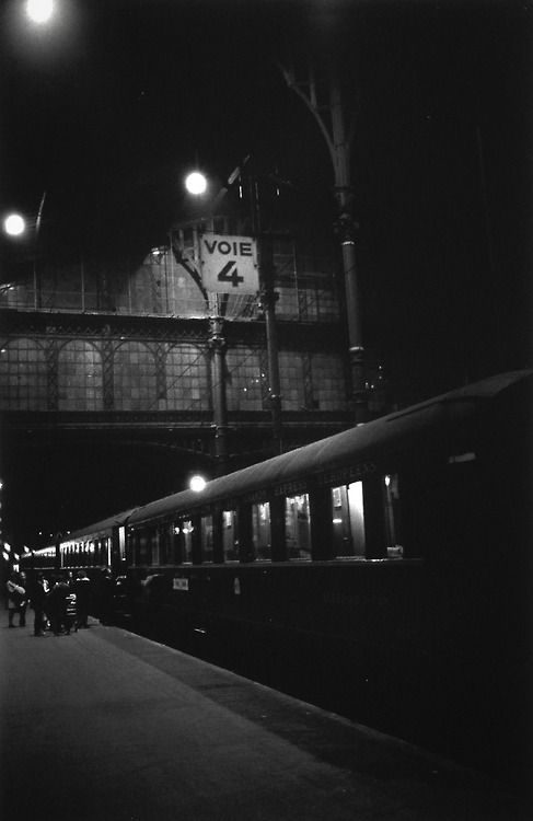 Voie 4  Paris 1960s-70s  Photo: Krass Clement