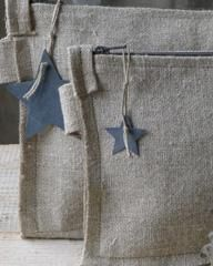 Pochettes en lin & étoiles zinc