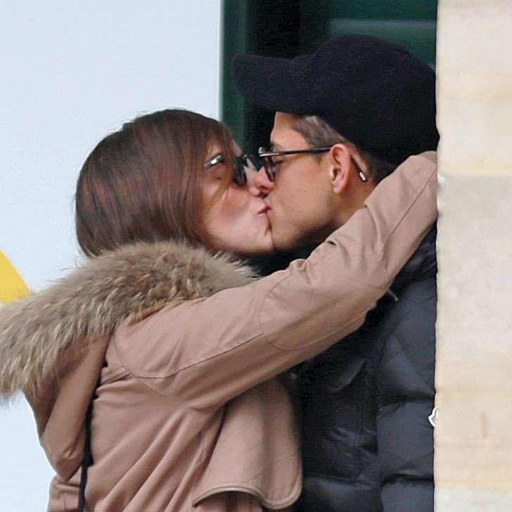 La nueva pareja desborda pasión: <p>El futbolista Javier Hernández sale con Camila Sodi, actriz mexicana, sobrina de Thalía, y la verdadera causa de su ruptura con Lucía Villalón.</p>