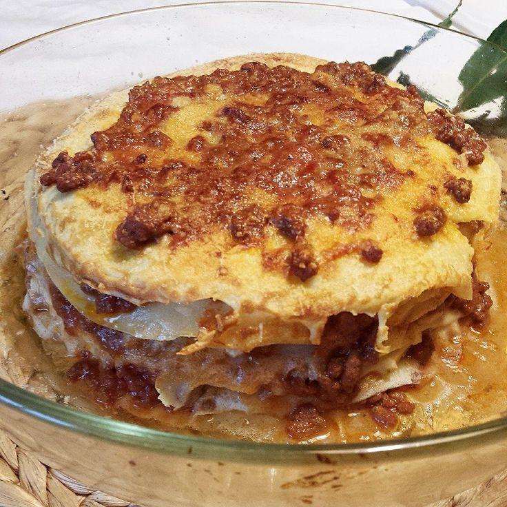 Torta alla bolognese - ragù, crepes, sugo...