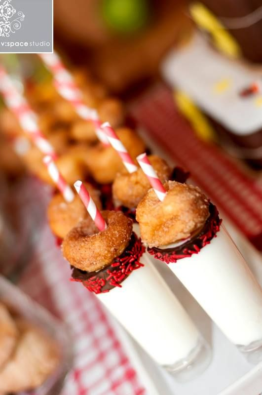 event styling: Baby-Q Baby Shower - Doughnut Shooters