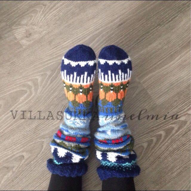 Kirjoneulesukissa neljä vuodenaikaa. #knitting #diy #woolsocks #fairisle #villasukkaunelmia