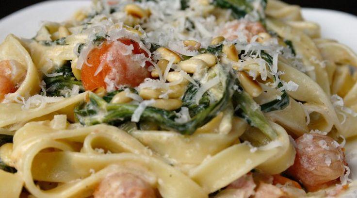 Je kunt deze tagliatelle met Boursin in spinazie heel makkelijk omtoveren tot een vegetarische variant door gewoon het ontbijtspek weg te laten. Voeg dan w