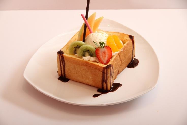 Hanito's healthy Mix Fruits for dessert at Pasta De Waraku
