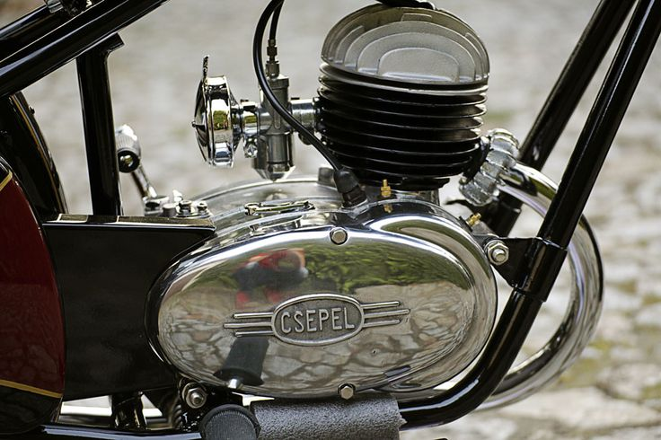 Csepel 125/49 by Marcello. Hungarian motorcycle from 1949. Engine.