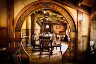 I think I'd like the inside to look kind of like a hobbit house