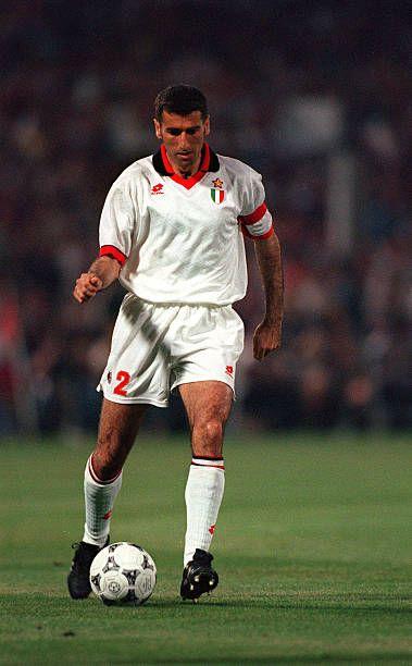 Mauro Tassoti: Fútbol UEFA Champions League Final Atenas Grecia 18 de mayo de 1994 AC Milan 4 en Barcelona 0 El capitán del AC Milan Mauro Tassotti