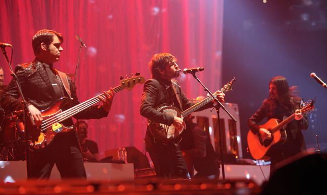 Live review: Avett Brothers, Time Warner Cable Arena (12/31/2013) New Years Eve Concert Charlotte
