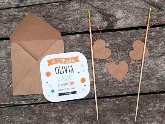 Olivia eligió el modelo BANDEROLA KIDS pero con cambio de paleta de colores! http://www.inthesky.com.ar/cumples_banderola.html