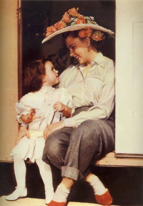 """Judy Garland and daughter, Liza Minnelli.  On the set of the """"In the Good O'l Summertime"""""""