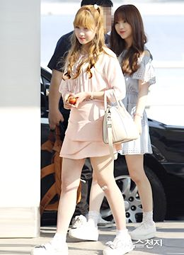 Lovelyz 유지애 (YooJiAe) airport fashion