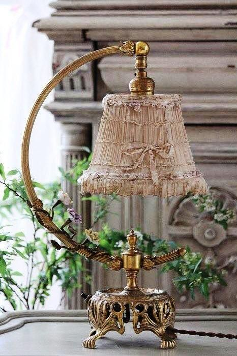 Vintage lamp with #bow