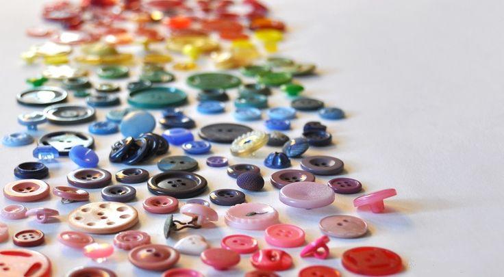 14 nouvelles idées pour récupérer les boutons qui traînent à la maison!