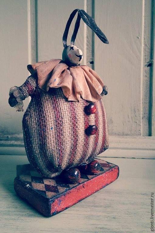 Купить или заказать Цирк. Заяц Бонни в интернет-магазине на Ярмарке Мастеров. Посмотри на Зайца, он такой смешной Будто настоящий клоун цирковой! ( А.Зверева) Авторская кукла примитив. Выполнена в технике пе…
