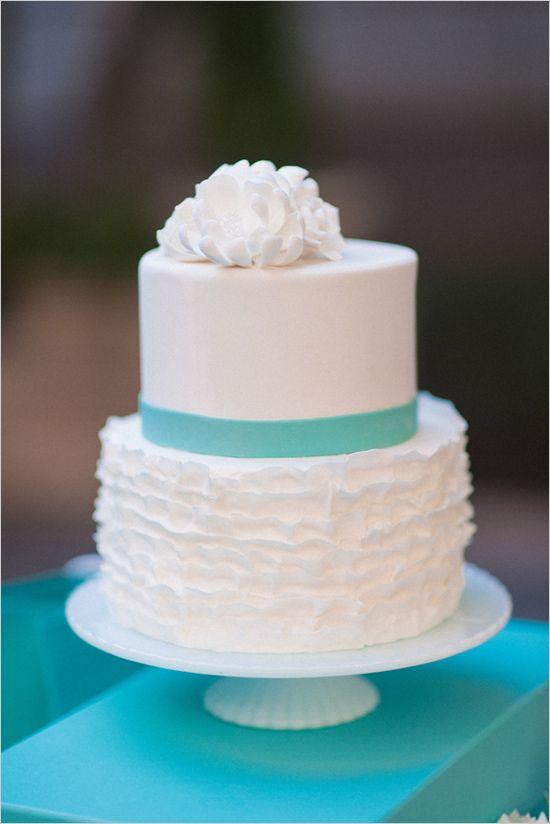 white ruffled wedding cake | Tiffany & Co. wedding ideas | simple wedding cake | #weddingchicks