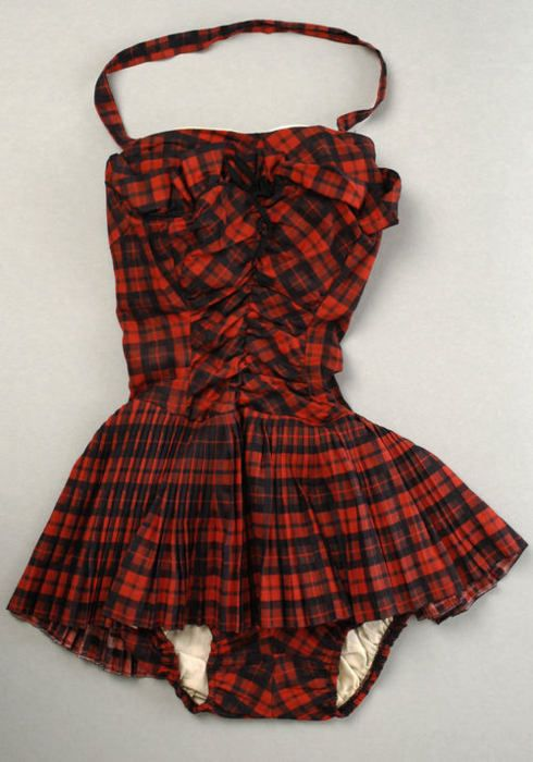 A great vintage plaid bathing suit dating from between 1955 and 1960.