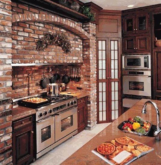 Дизайн кухни с кирпича