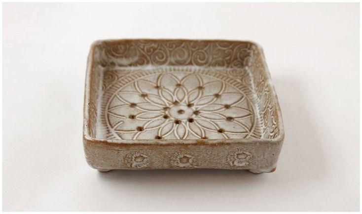 Crea stampe su ceramica da personalizzare con le tue foto e con testi. Ceramicideas Pottery Ceramics See More Ceramiche Fatte A Mano Portasapone Portasaponetta