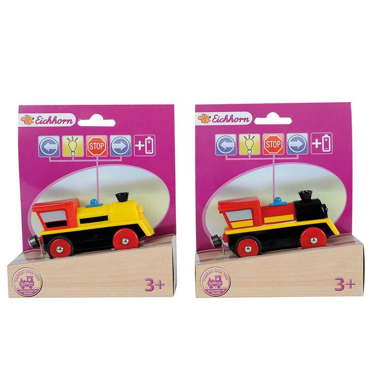Eichhorn staat bekend om haar prachtig houten speelgoed, zoals complete treinbanen, houten poppenkasten, puzzels, poppenhuizen en veel meer.Het leuke van treinen van Eichhorn is dat de houten rails ook te combineren is met andere merken. Afmeting:lengte 8 cmLet op: Er zijn verschillende kleuren en deze worden willekeurig verstuurd. (rood-geel of geel-rood) - Eichhorn Locomotief 1 stuk