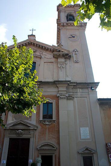 Church San Giorgio, Biume Superior - #Varese - Piazzale Litta. Saturday, April 25, 2015 at 3.00pm. http://www.varesecittagiardino.it/file/2015/VISITE_GUIDATE_2015%20%281%29.pdf