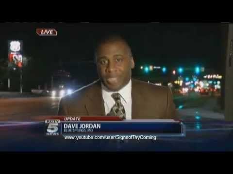 UFO : More sightings of Strange Lights in Blue Springs Missouri (May 30, 2012) - YouTube https://www.youtube.com/watch?v=N_bfrc5tPNI