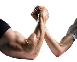 Du willst Muskeln aufbauen? Wie sollst du trainieren? Wit welchem Trainingsplan? Wie sollst du dich ernähren? Alle Antworten hier.